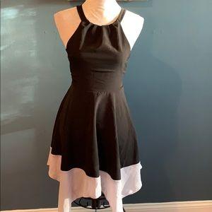 3/$15 Monteau | Black/Gray Sleeveless Flare Dress